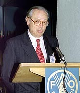 Savio receives award on behalf of IPS in 1997