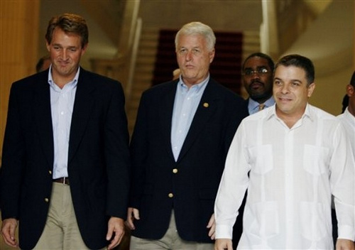 Delahunt with Cuban Foreign Minister, Felipe Perez Roque