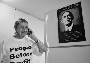 Beatrice-lumpkin-with-obama-poster.jpg